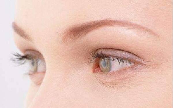 做抽脂消除肿眼泡怎么样?好吗?