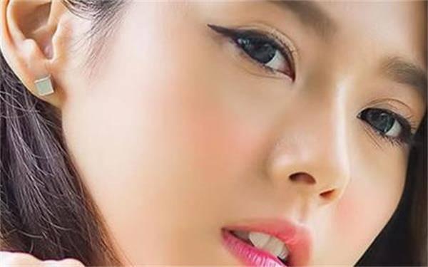 做抽脂消除肿眼泡的流程是什么?恢复时间要多久?
