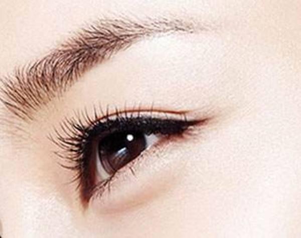 南京做切开法双眼皮价格是多少?