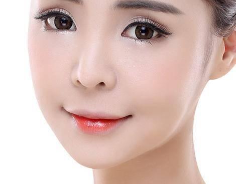 做短鼻矫正大概需要多少钱?