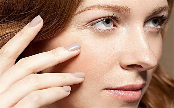 做假体隆鼻优点有哪些?