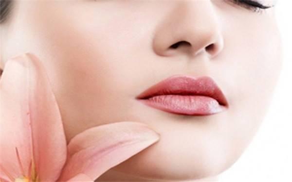 玻尿酸丰唇后的注意事项有哪些