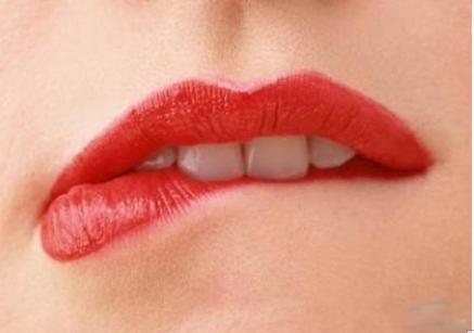 自体脂肪填充可解决唇部干瘪问题吗