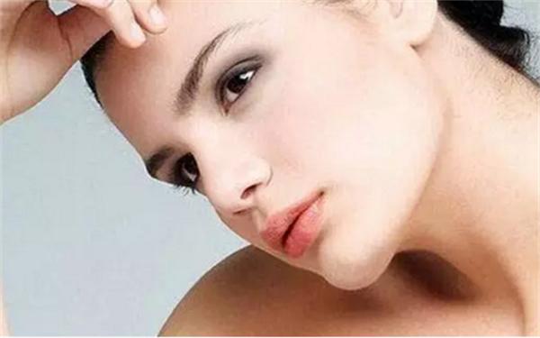 肉毒素去除颈部邹纹会不会有副作用