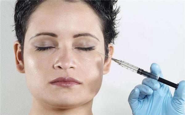 假体隆鼻有肿胀的情况出现吗