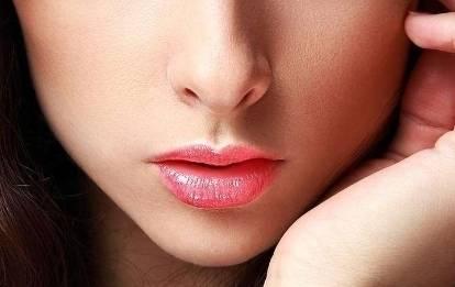 纹唇肿多久
