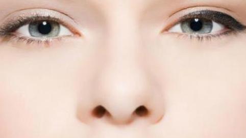 隆鼻假体修复多久恢复自然