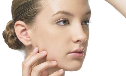 驼峰鼻矫正整形副作用