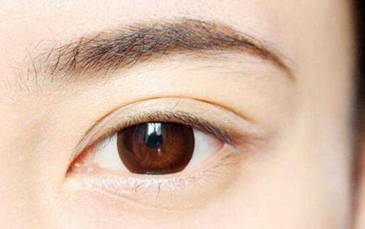 眉位不正修复肿多久