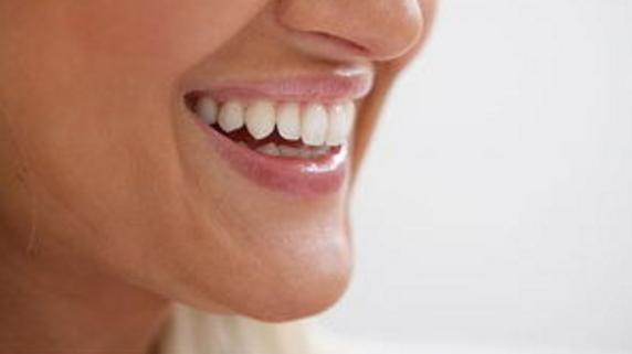 牙齿隐形正畸多少钱