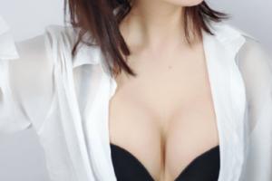广州美莱医疗美容李高峰隆胸案例分享与效果对比图